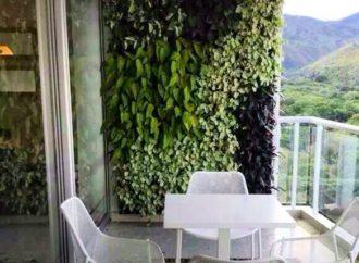 C mo conseguir que tu cocina parezca m s grande for Como se hace un jardin vertical