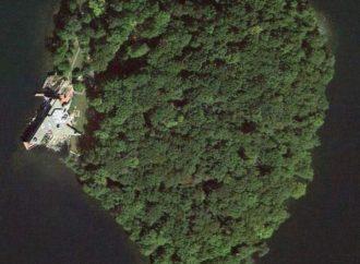 Descubrí la isla en forma de corazón que Angelina Jolie le regaló a Brad Pitt