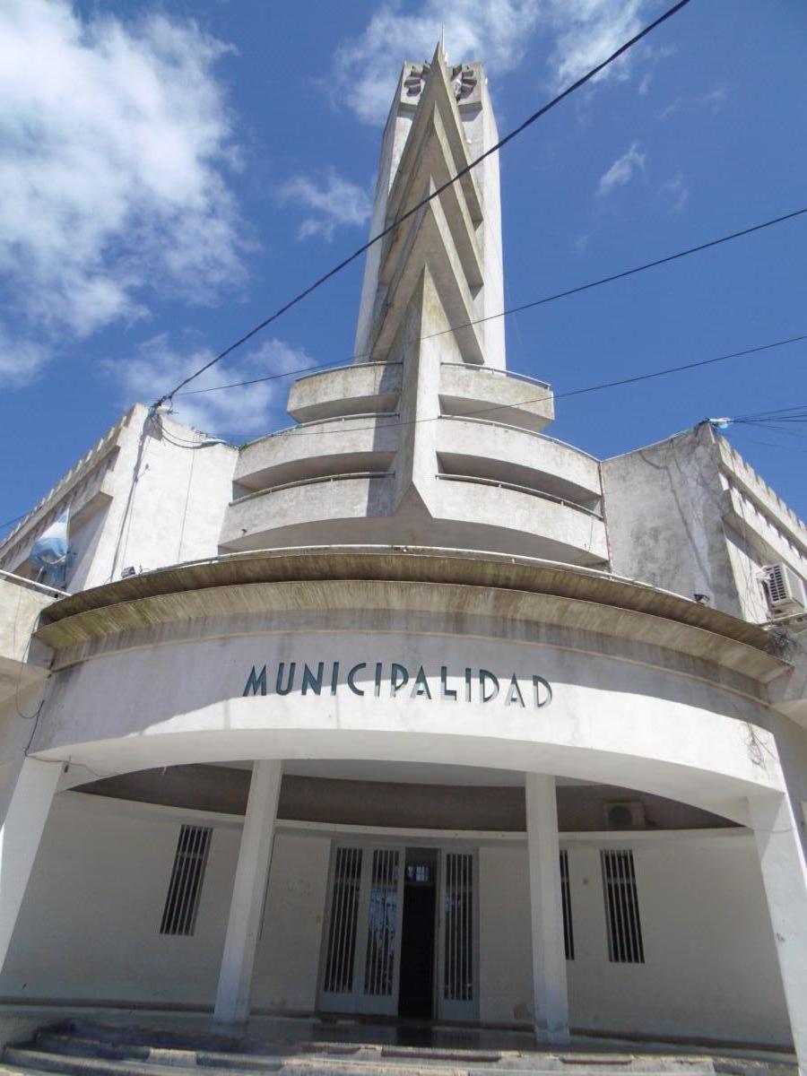 Municipalidad de Alberti. Fachada estilo Art Decó.